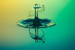 highspeed-photography-water-drop-of-water-alien-dance